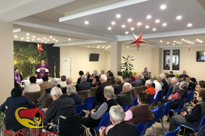 Održana Božićna misa za korisnike Našeg doma (FOTO)